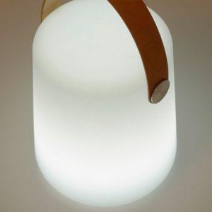 Lámpara-portátil-de-exterior-con-asa-de-piel-Acrux-dindonliving-111730-03